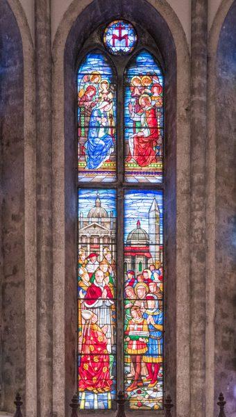 Vetrate dell'abside della chiesa