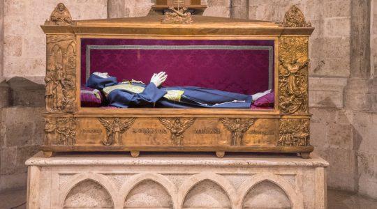 L'urna del Beato Corrado - Opera dello scultore Aldo Sergiacomi