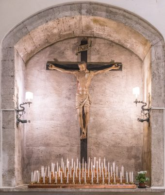 Il crocifisso miracoloso in Chiesa