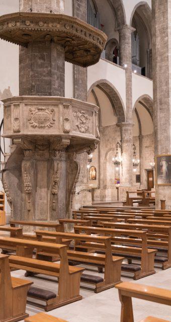 Pulpito del Giosafatti all'interno della Chiesa