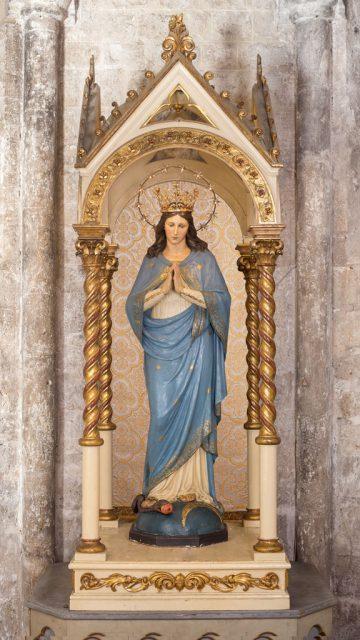 La statua dell'Immacolata